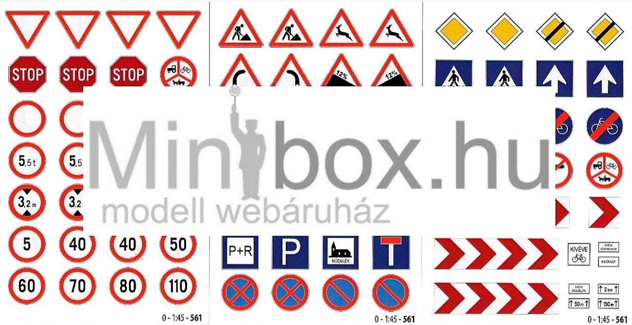 KRESZ tábla, közúti jelzőtábla készlet (1:45)