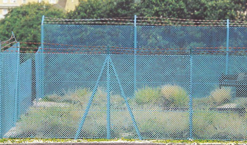 Model Scene MS48140 szögesdrót kerítés (1:87)