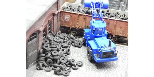 Juweela 28172 Gumiabroncs, autógumi hulladék rakomány (1:87)